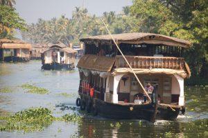 Hausbootfahrt auf den Backwaters in Indien