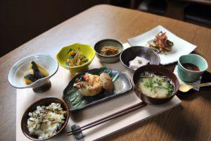 Traditionelles japanisches Essen (© Japan National Tourism Organisation)
