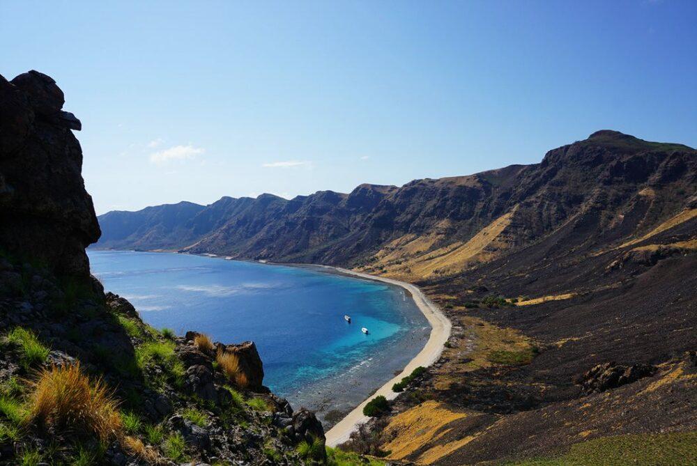 Abgelegene_Insel_auf_dem_Weg_nach_Komodo_und_Flores